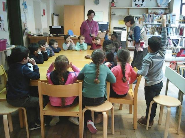 Visite de la bibliothèque communale des P1L