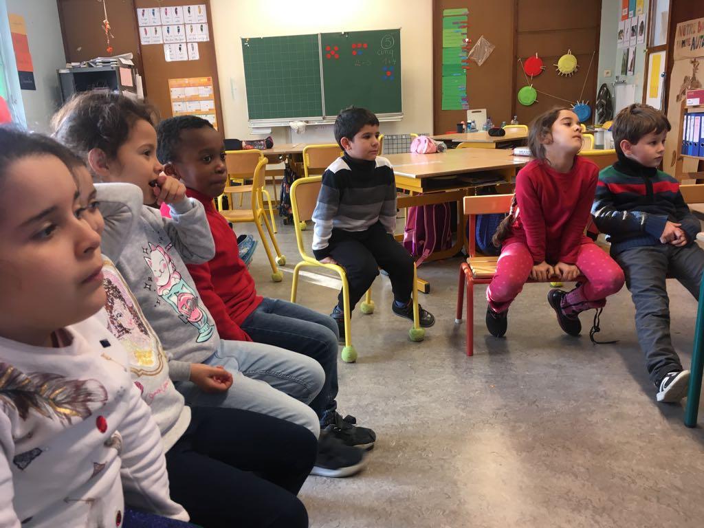 Lecture plaisir des élèves de P4L aux élèves de P1S